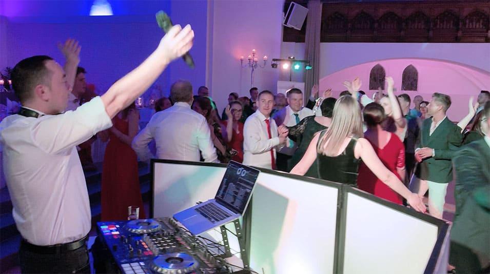 Profi Hochzeits DJ für deine russische, deutsche & polnische Hochzeit